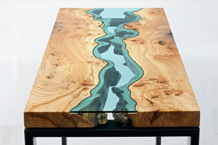 3. Стол с имитацией реки