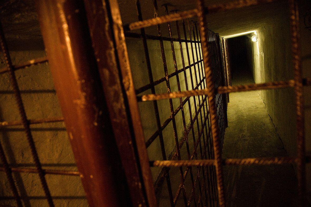 Подземный тоннель, который использовался для отправки узников на места работы и для перемещения межд