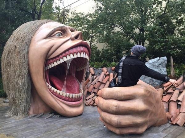 А вот так скульпторы видят взаимоотношения между людьми. И не только людьми...