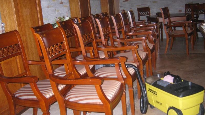 Чистка стульев профессиональной техникой