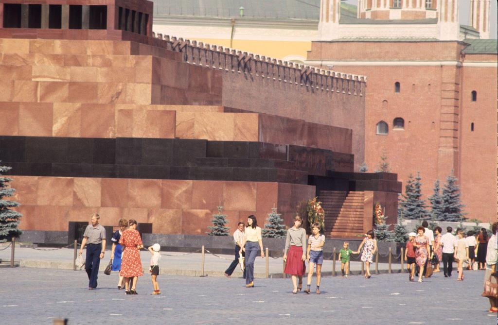 Москва — Сибирь — Япония в 1980 году (58 фото)