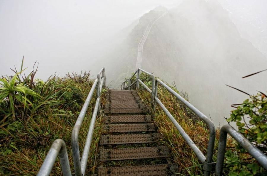 18. Лестница Хайку, остров Оаху, Гавайи, США.