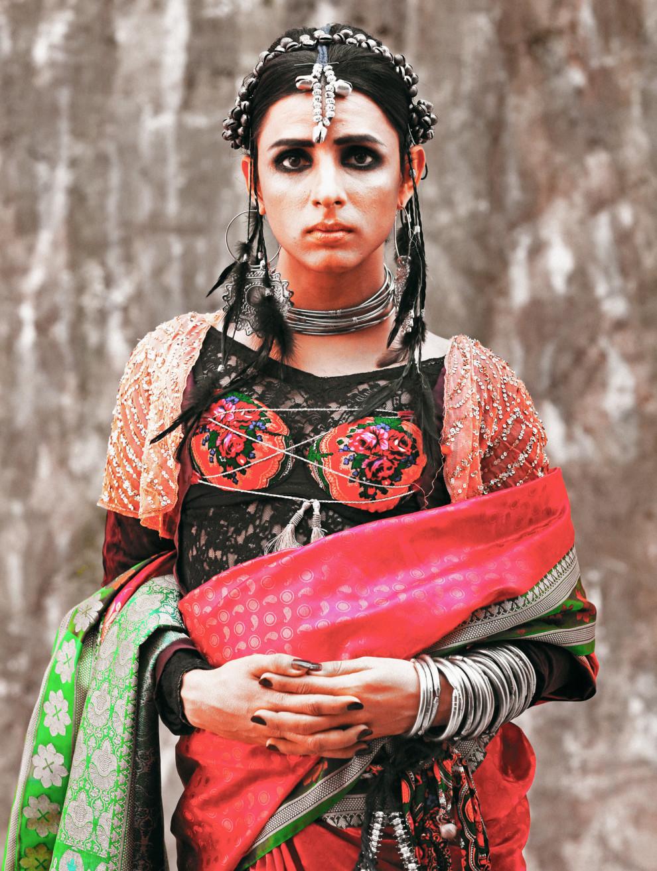 Ками Сид своими снимками хочет расширить границы, установленные для транссексуалов в пакистанском об