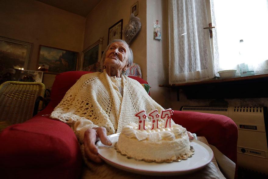 Эмма не скрывает секрет своего долголетия — на протяжении 90 лет она придерживалась весьма своеобраз