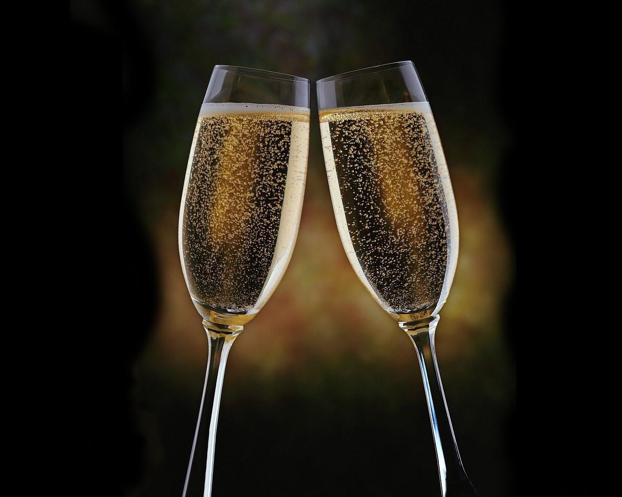 Виноделы определили лучшее шампанское в Российской Федерации