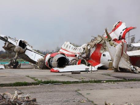 Наобломках самолета Качиньского найдены следы тротила— польские СМИ