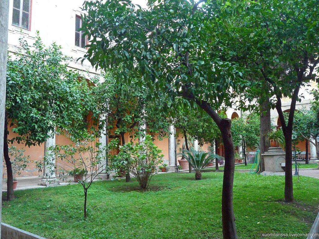 Sant`Andrea delle Fratte (23).JPG