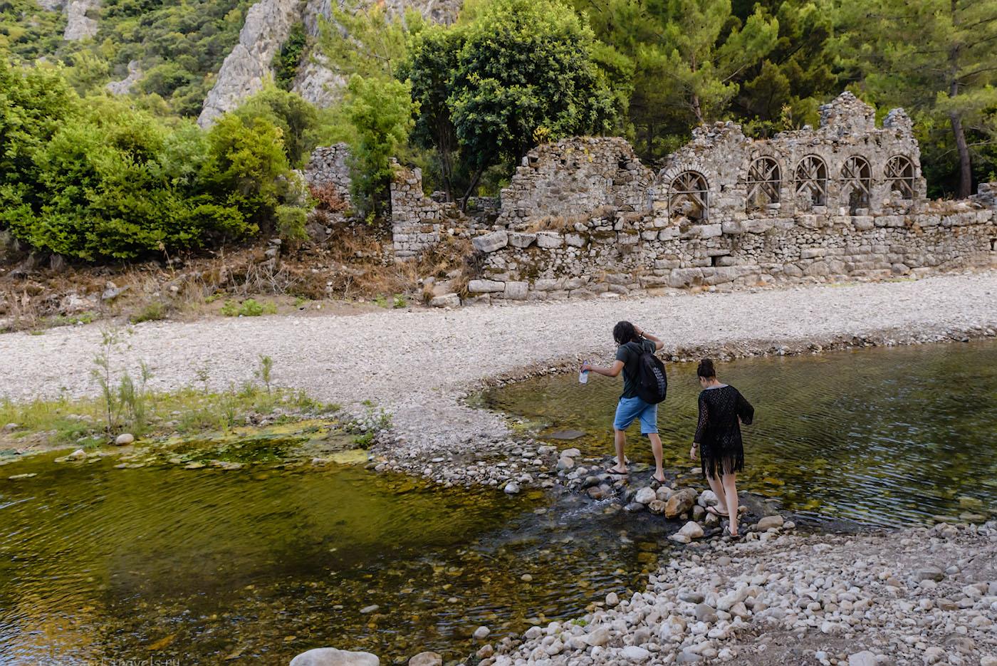 Фото 13. Ручей Ак-Дере в античном городе Олимпос. Отзыв об экскурсиях в Кемере.