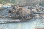 Грузинский Т-72АВ в оросительном канале под Цхинвалом