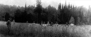 Сухоатинская сельскохозяйственная артель. Уборка овса на поле. 1934