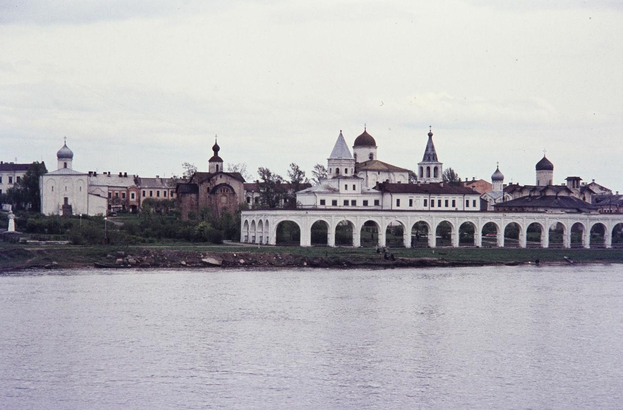 Новгород. Вид на город с реки