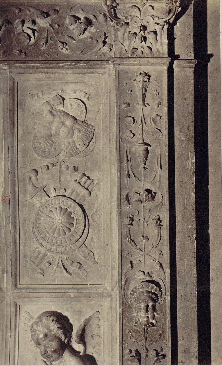 53. Церковь Сан-Доменико Маджоре. Памятник Франсуа Караффы. умершего в 1420 году
