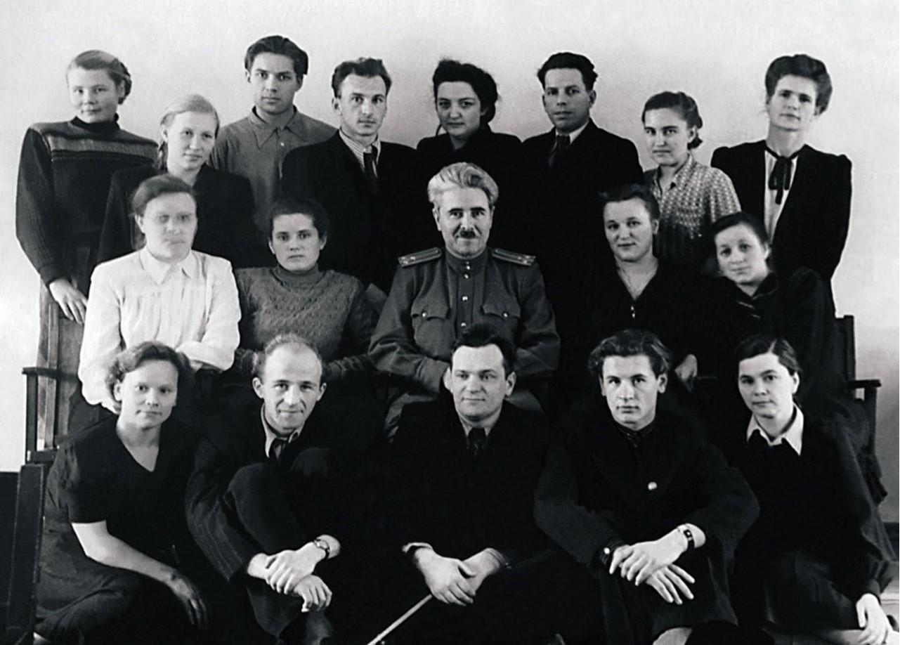 Снежинск. Лаборатория «Б». Руководитель лаборатории в 1946–1952 годах полковник МВД Юрий Александрович Уралец (в центре) (1952)
