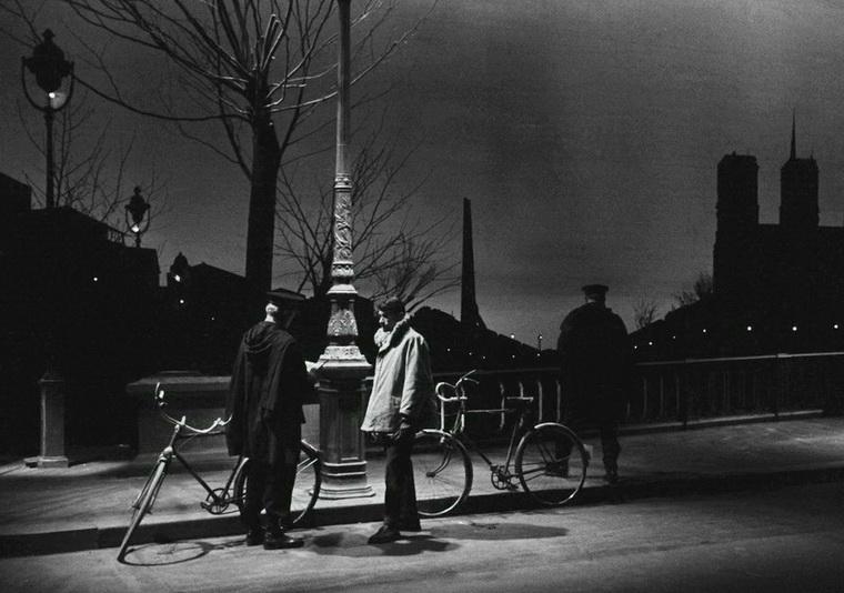 1956 - Через Париж (Клод Отан-Лара).jpg