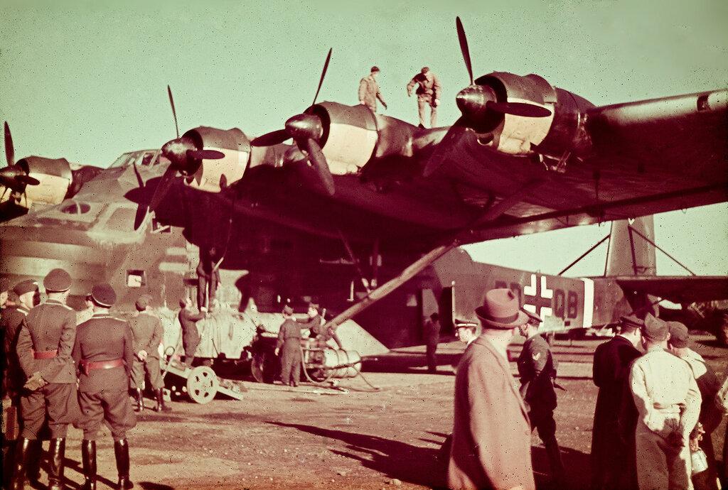 1942с Messerschmitt Me 323 Gigant in Rom.jpg