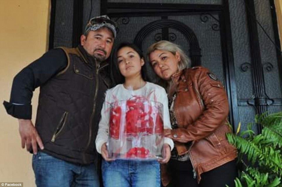 Миллионы человек откликнулись на приглашение отца прийти на 15-летие дочери