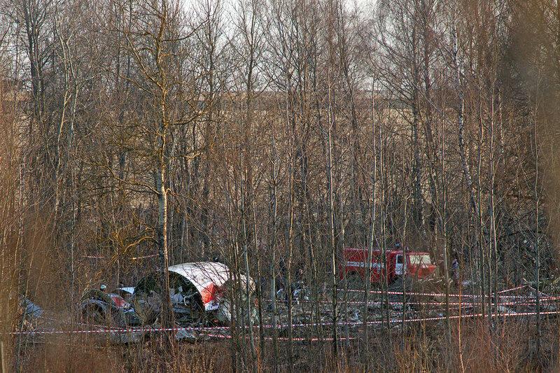 1280px-Tu-154-crash-in-smolensk-20100410-10.jpg