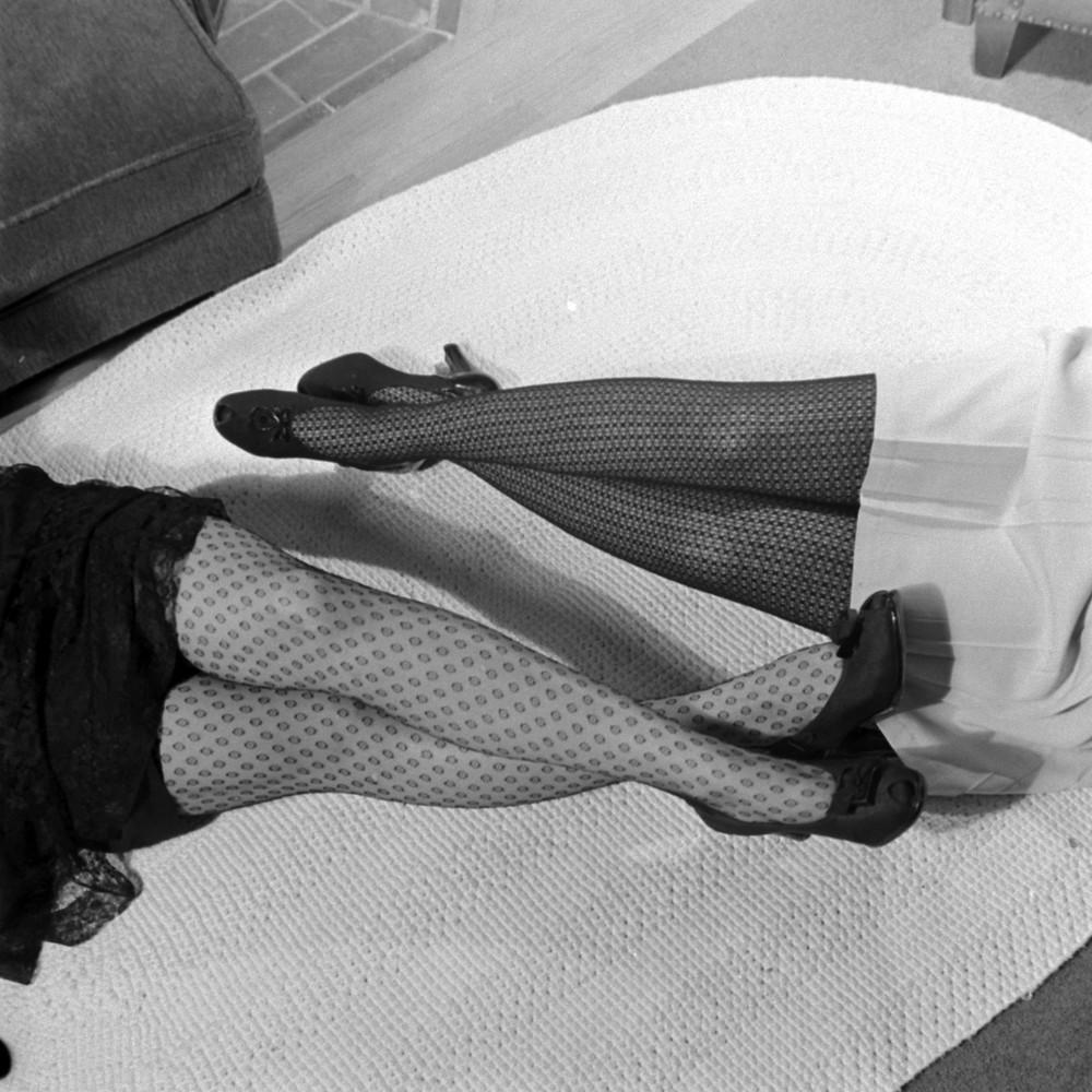 4. Колготки с узором. 1943 год. (Walter Sanders—The LIFE Picture Collection / Getty Images)