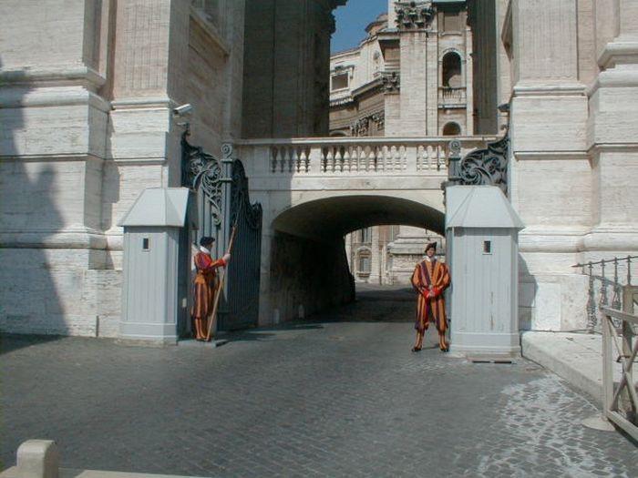 2. Италия и Ватикан