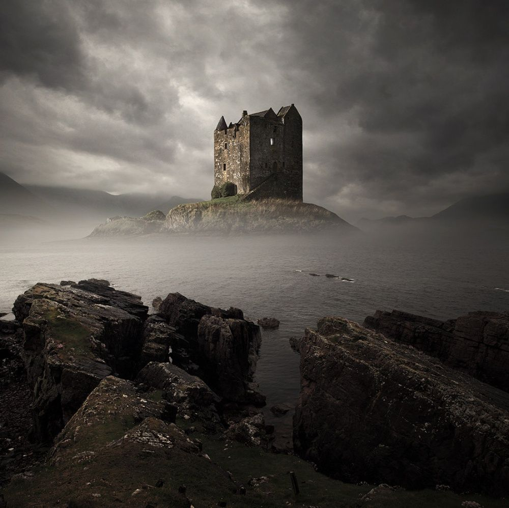 15. Замок Сталкер, Шотландия (© Tomasz Zaczeniuk) Замок Сталкер, что в переводе означает «Соколиный