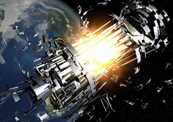 Экс-сотрудник NASA: инопланетяне устроили ДТП вкосмосе