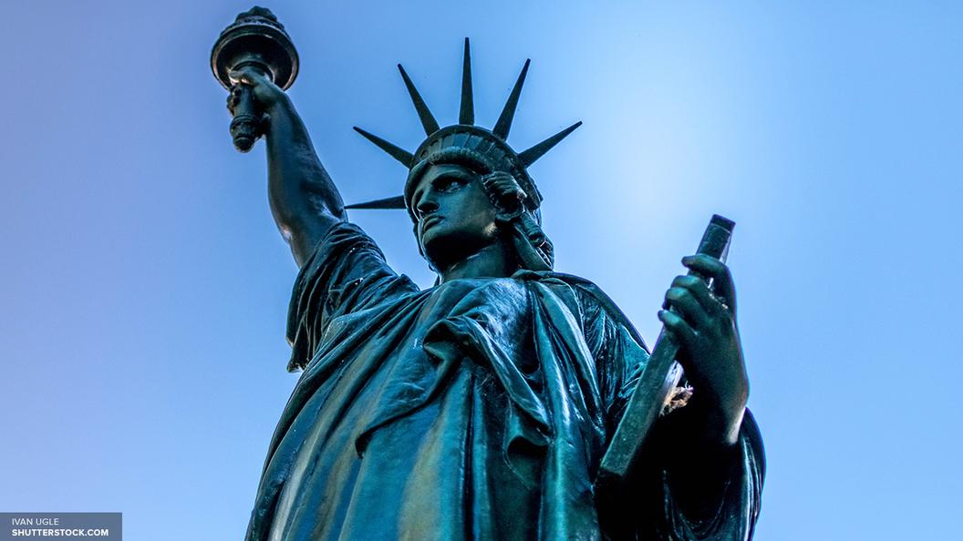 АНБ США вследующем году собрало неменее 150 млн записей звонков американцев