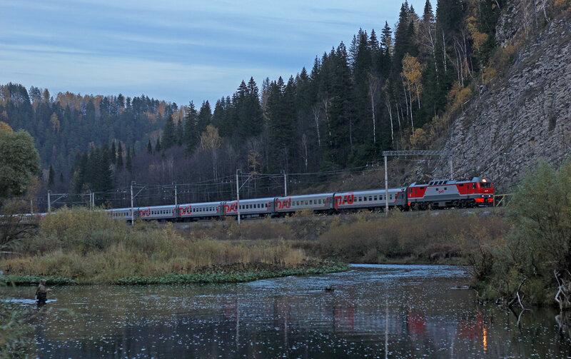 ЭП2К-144 с поездом 123 Новосибирск - Белгород на перегоне Симская - Биянка