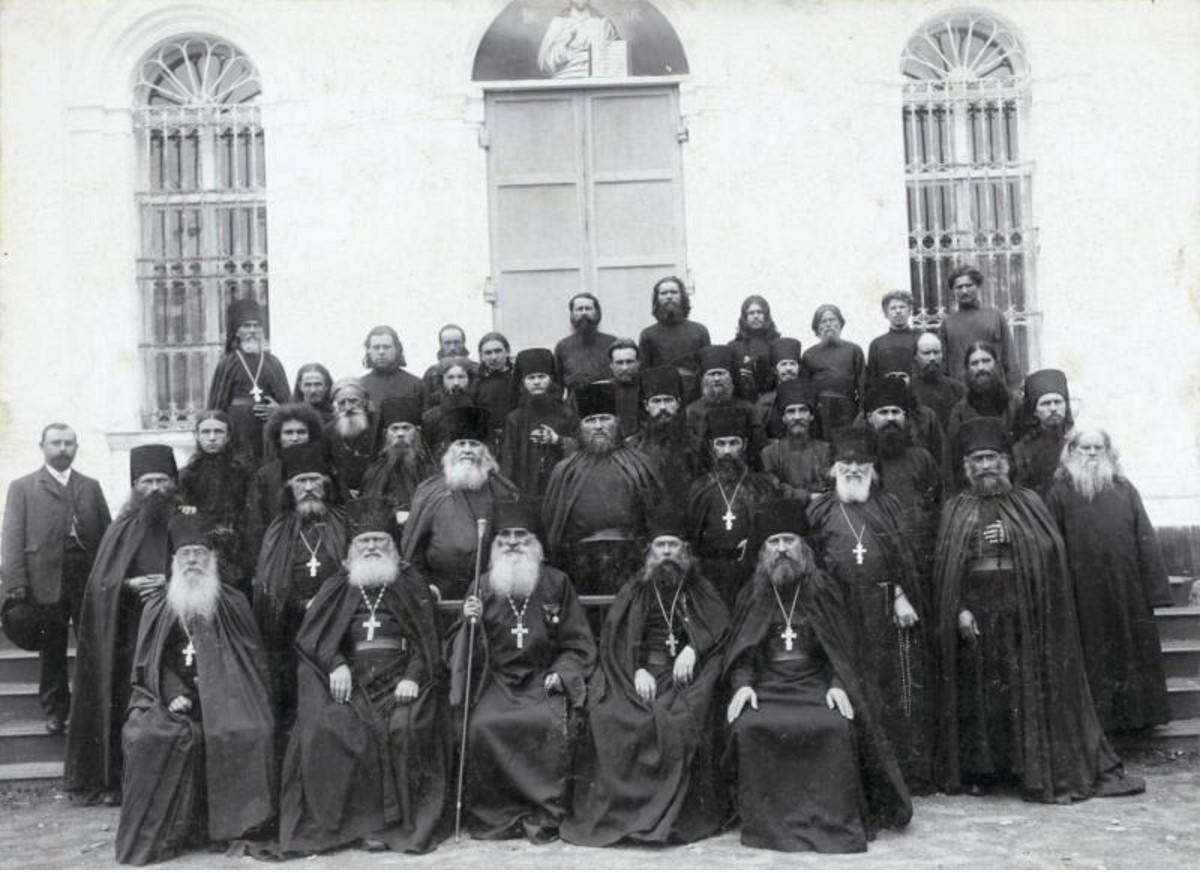 Берлюковская пустынь. Группа священнослужителей. 1894
