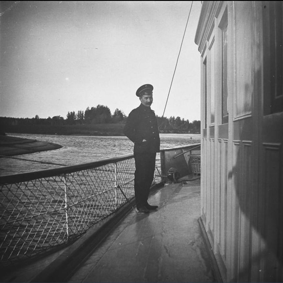 Максимкин Яр. Помощник на борту парохода