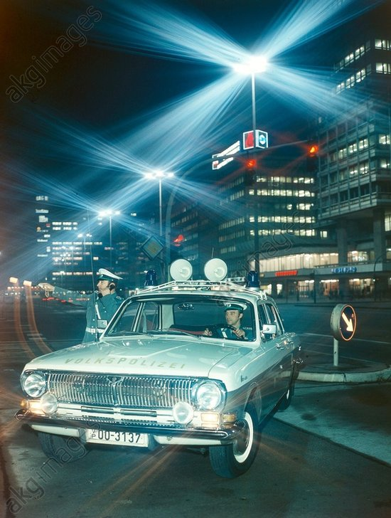 DDR-Volkspolizei/Funkstreife/Foto 1976 - GDR-Police / Radio patrol car/Photo 1976 -