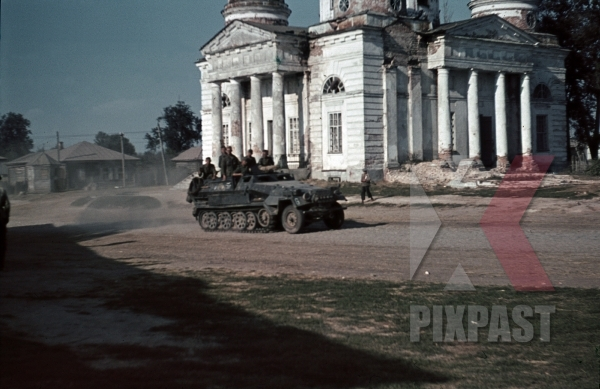 stock-photo-sdkfz-251-halftrack-dormition-cathedral-in-mglin-august-1941-bryansk-oblast-3rd-panzer-division-12275.jpg