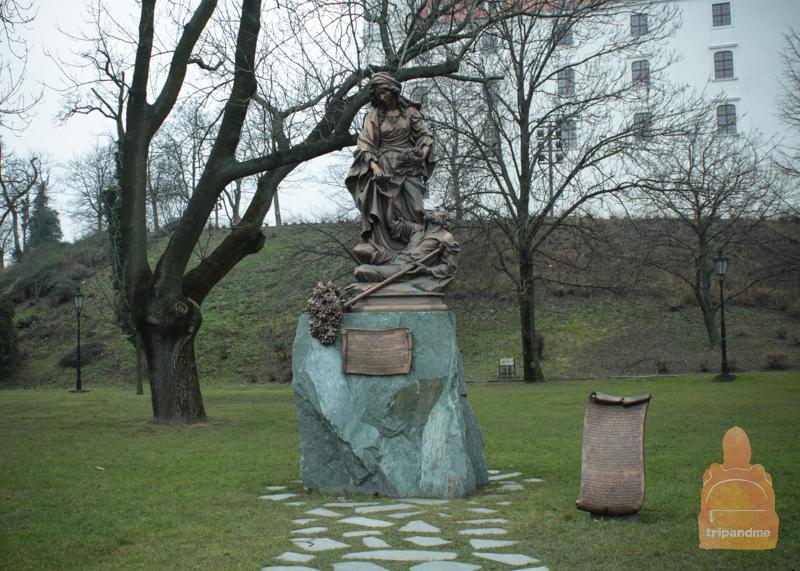 Памятник Елизавете Венгерского в Братиславе