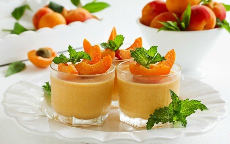 Рецепт французского десерта парфе под двумя соусами