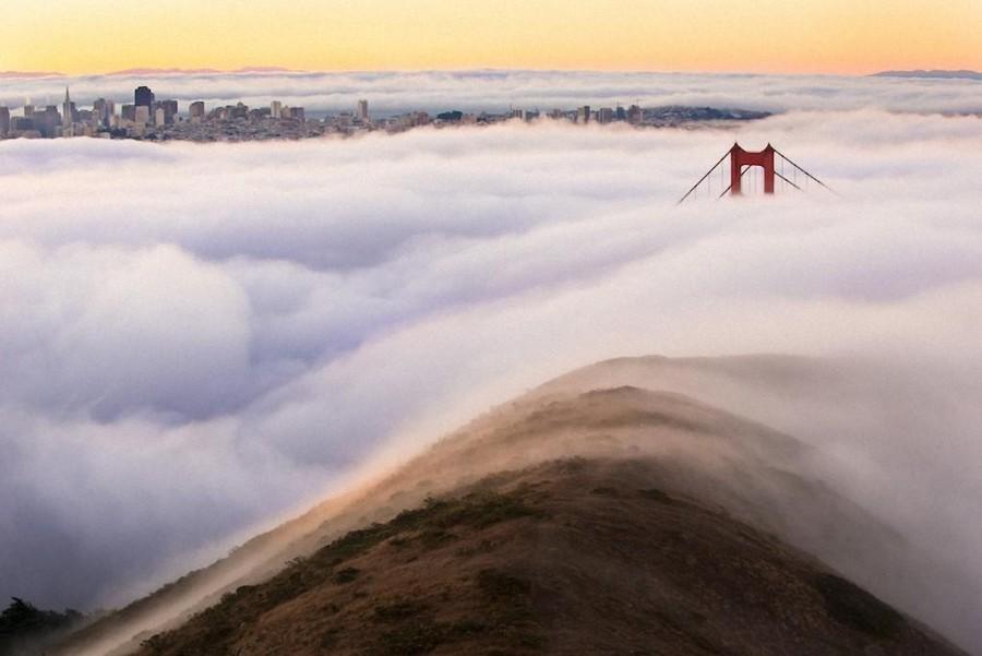 8. Город находится в тумане как под одеялом.