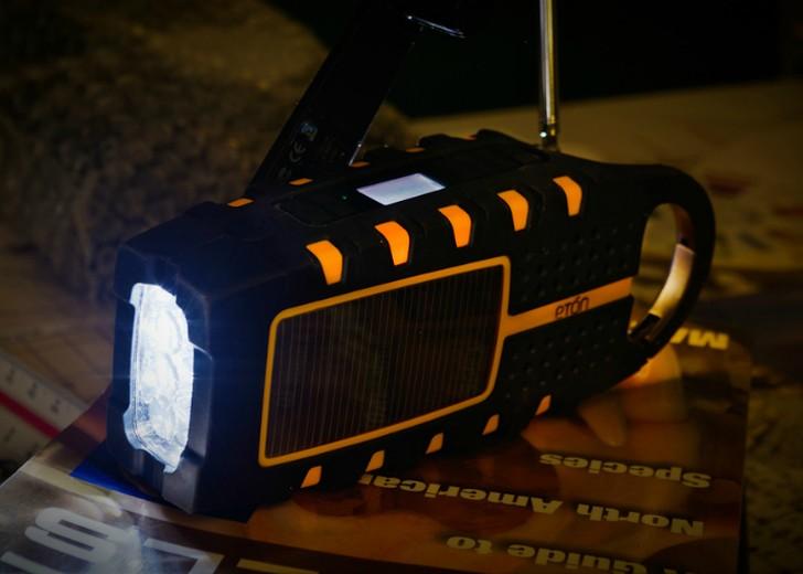 5. Многофункциональный фонарь — Eton Scorpion от компании Scorpion Компания Scorpion создала новый ф