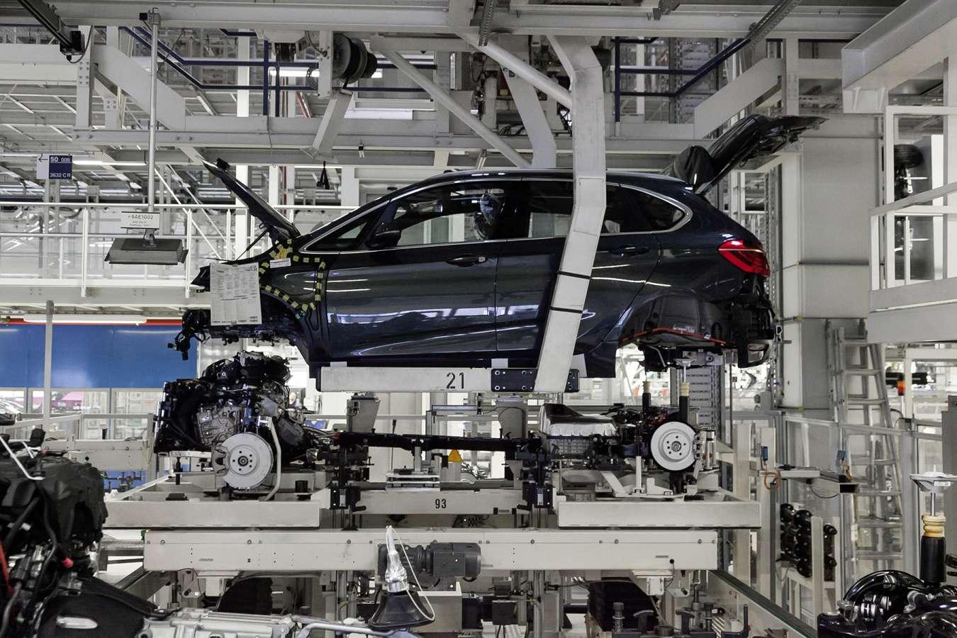 Вгосударстве Украина продажи новых легковых машин взлетели на54%