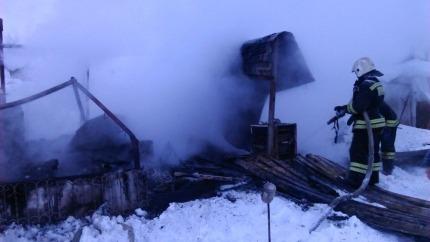 Двое детей иженщина погибли врезультате сильного возгорания вХМАО