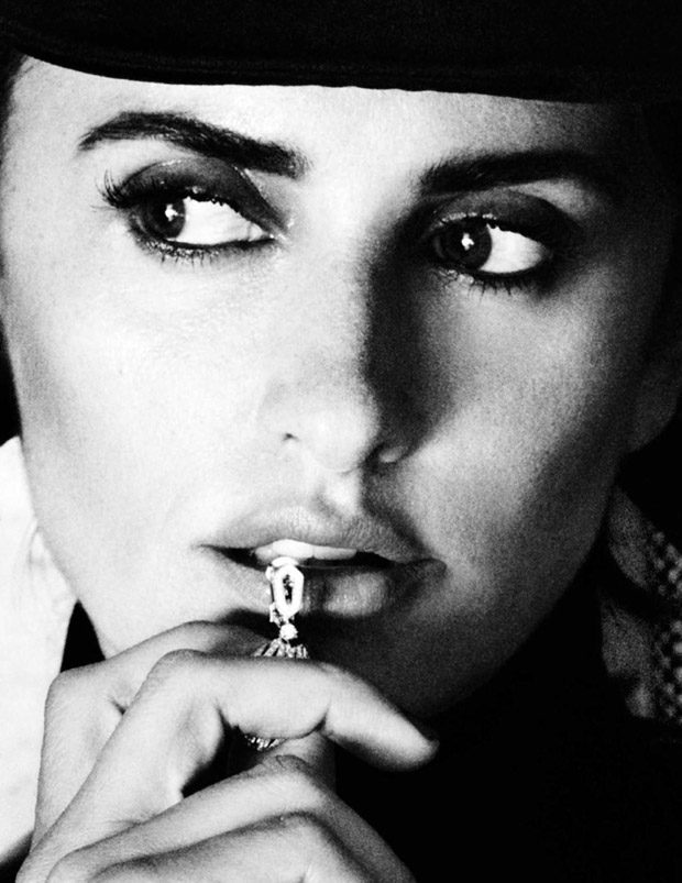 Vogue Spain December 2016 Cover Story Starring Penelope Cruz