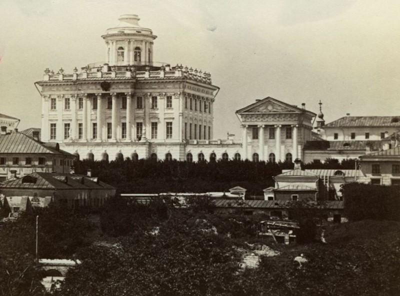 Российская государственная библиотека история История основания и развития библиотеки достаточно яркая и интересная Изначально в 1828 году был учреждён Румянцевский музей в Санкт Петербурге и с 1845