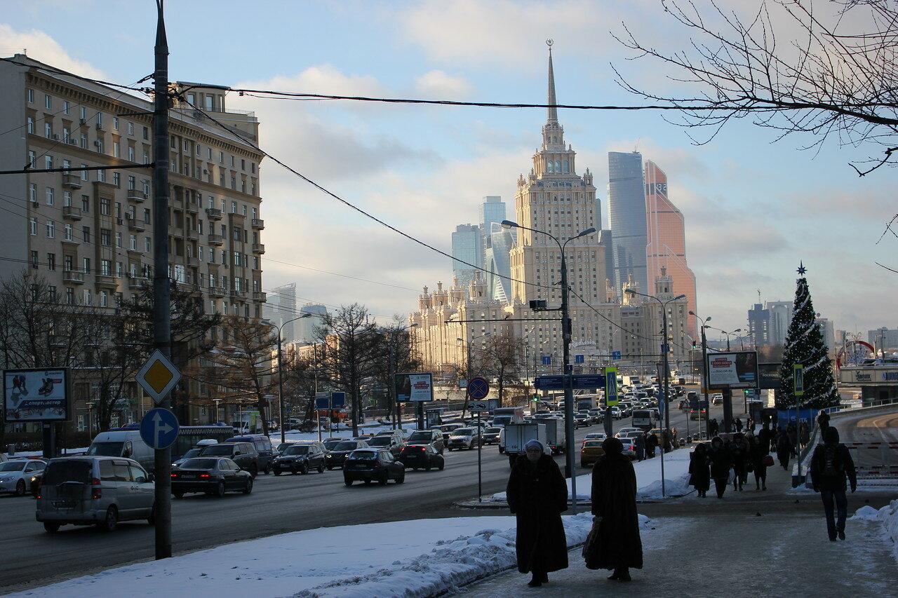 гостиница Украина на фоне Москва-Сити