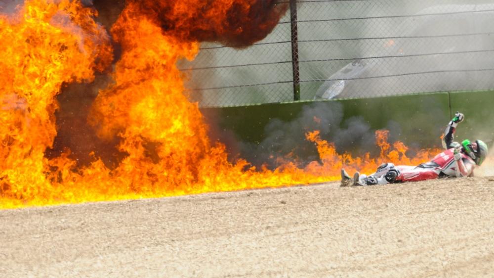 Юджин Лаверти спрыгнул с мотоцикла на скорости почти 260 км/ч (видео)