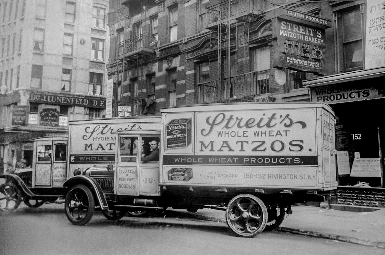 1935. Заводской грузовик на Ривингтон-стрит