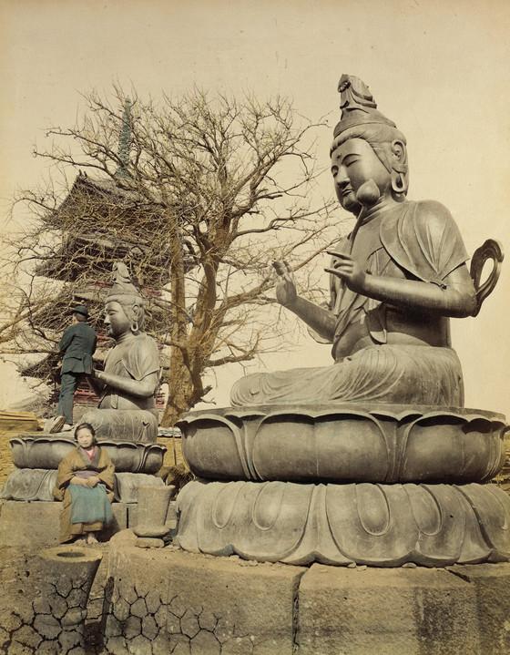 Два бронзовых Будды