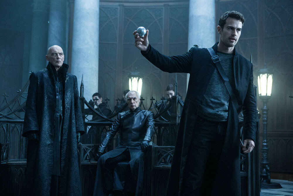 James Faulkner (left) and Theo James (right) star in Screen Gems' UNDERWORLD: BLOOD WARS.