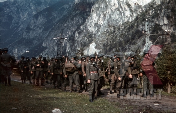 stock-photo-mountain-troopers-marching-with-gas-masks-in-landeck-austria-1941-11348.jpg