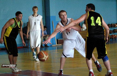 Большой спорт в Молдове: кто первый пришёл - того и мяч