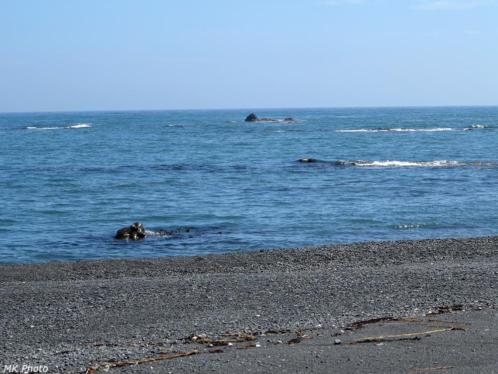Камни надводные, подводные и осушаемые