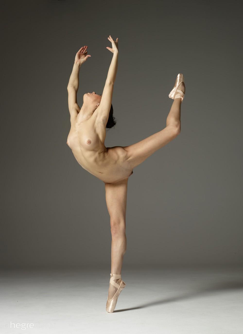 Развратная балерина Magdalena
