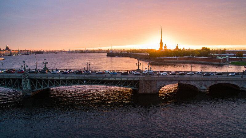 Троицкий  мост и Петропавлоская крепость