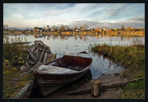 лодка для жизни на реке